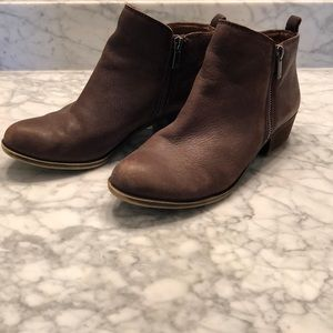 Lucky Brand 8m brown leather booties
